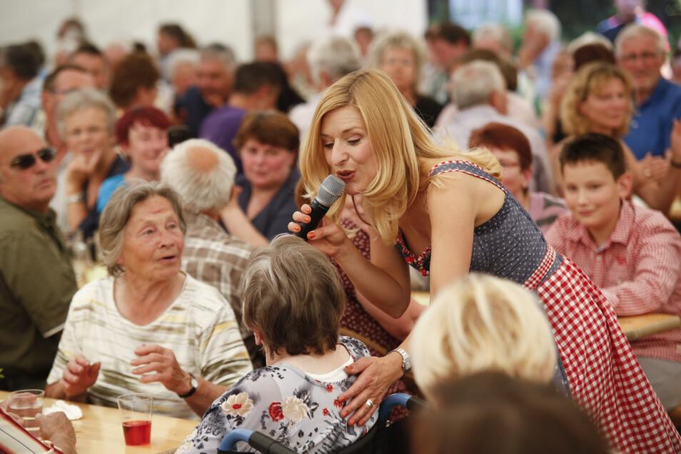 Vor drei Jahren besuchte Stefanie Hertel das Reichenbacher Martinstift. Mittlerweile ist so manchen Pflegebedürftigen im Kreis nicht mehr zum Singen - vor allem nicht mit Blick auf die Heimkosten.