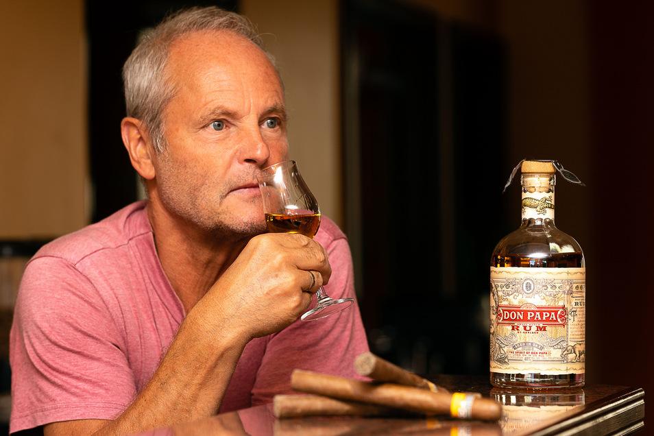 Mit Whisky gingen die alkoholischen Seminare in der Pension von Matthias Greth seinerzeit los. Inzwischen gibt es nicht mehr nur Seminare zu dem bekannten Gerstenschnaps und Wein, sondern in diesem Jahr auch erstmals zu Rum.