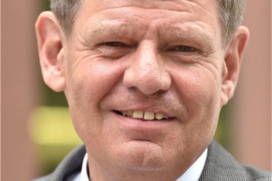 Matthias Schwarzbach ist Leiter der für Löbau-Zittau zuständigen Geschäftsstelle der Industrie- und Handelskammer  .