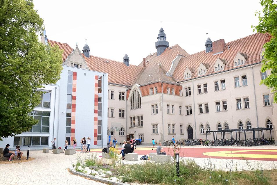 Das Meißner Franziskaneum: Die Stadt hat jetzt ein Grundstück in der Nähe gekauft, damit die Schule erweitert werden kann.
