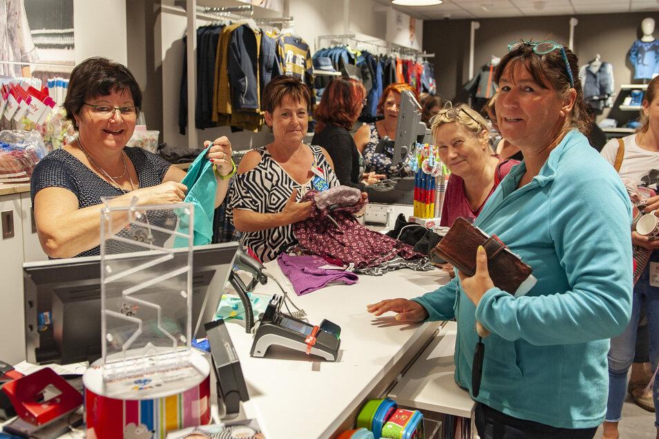 Ab nächster Woche dürfen Geschäfte wie Ernstings Family auf dem Frauenmarkt wieder öffnen. Auch Baumärkte. Doch keine Gaststätten und Cafés.